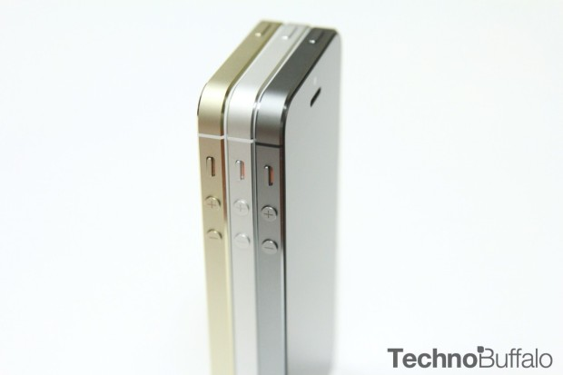 iPhone-5s-Gold-Silver-Black-Standing-1280x853
